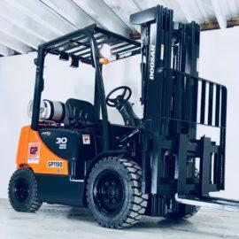 Doosan 6,000 lb, Dual Fuel Warehouse Forklift